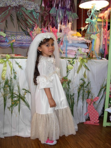 deguisements,defile,fillettes,costumes,robe,princesse,fee,marquise
