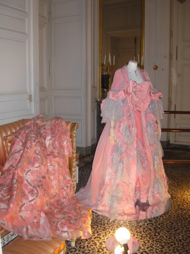 exposition,mode,chateau,versailles,robe,luxe,haute-couture,musee,